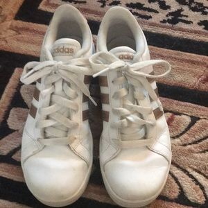 Girls size 3.5 Adidas leather tennis shoes